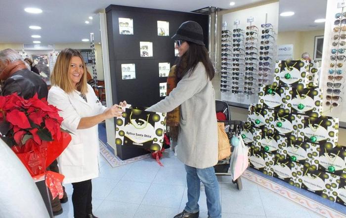 Hoy, por ser Santa Lucía hemos sorteado las gafas deportivas OAKLEY