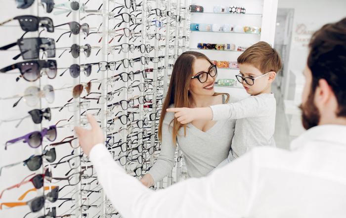 Antes de que comiencen las clases, revisa la visión de tu hijo